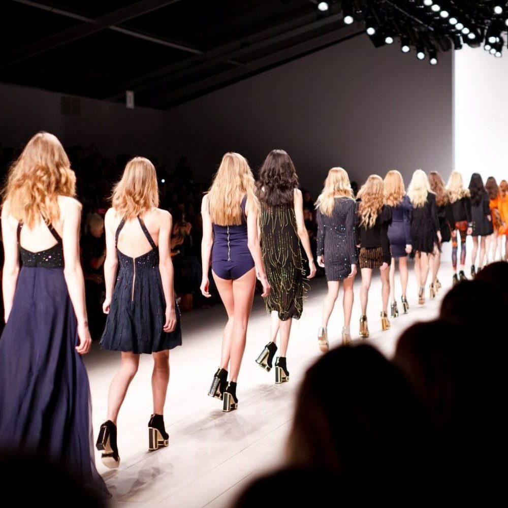 Défile de mode Fashion Catwalk